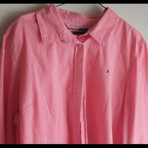 Tommy Hilfiger bottom down shirt